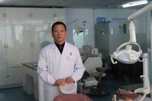Гуань Пэн - главный врач