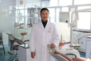 Лю Сян Фен (Андрей) - переводчик